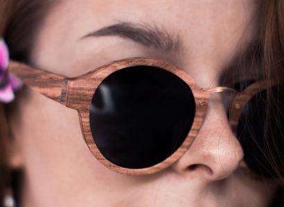 lunettes en bois visage