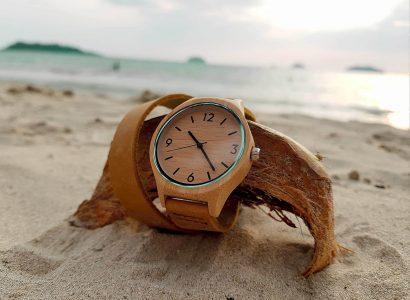 montre en bois plage