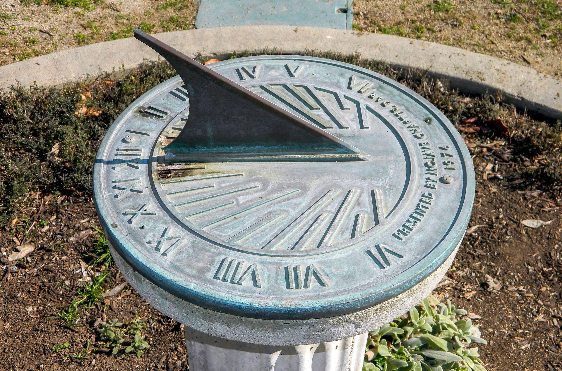 cadran solaire montre heure